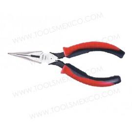 Pinza bimaterial para electricista punta larga corte lateral.