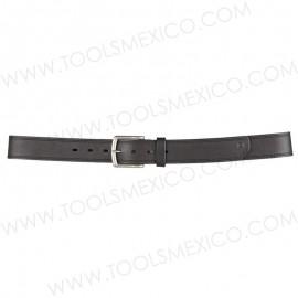 Cinturón de piel 1-1/2'' de ancho.