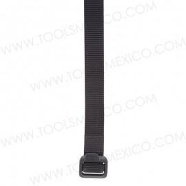 Cinturón con hebilla de plástico 1.5'' de ancho.